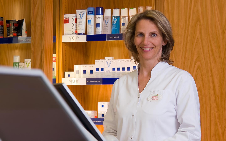 Portrait Dr. Susanne Doll